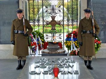 Unknown Soldier tomb Warsaw