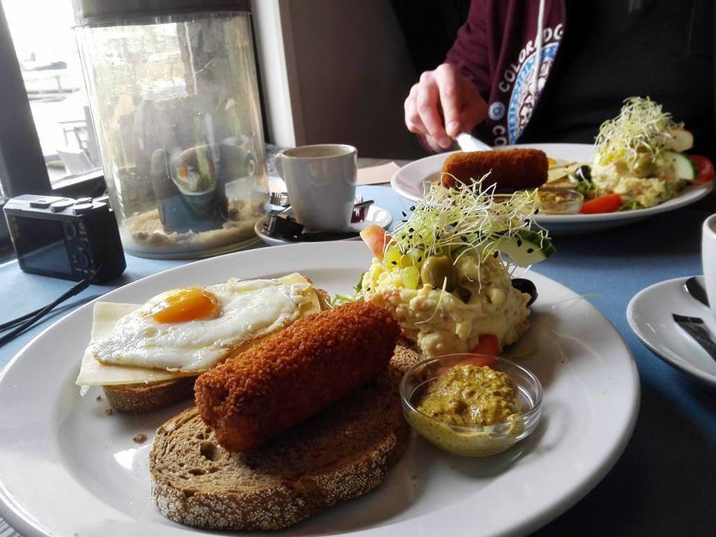 Lunch in Zoutkamp april