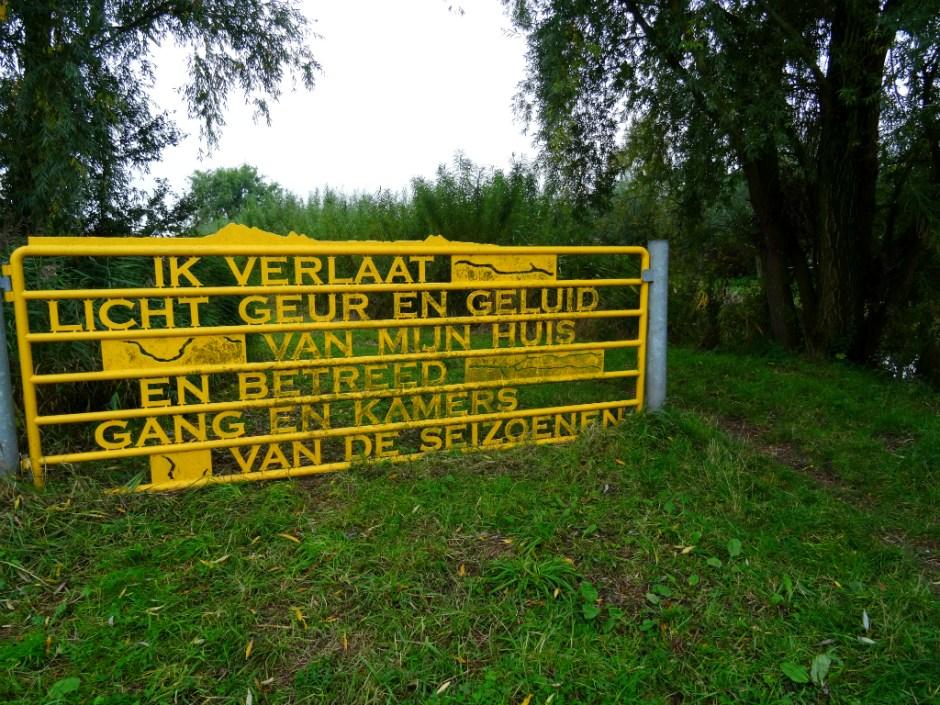 Mooiste route van Zuid-Holland - hek met gedicht
