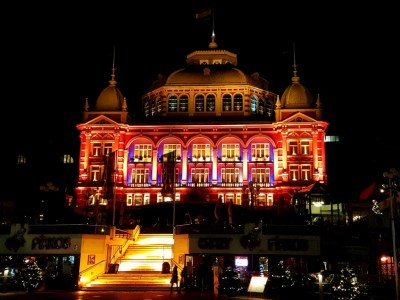 Scheveningen Light Walk Kurhaus verlicht