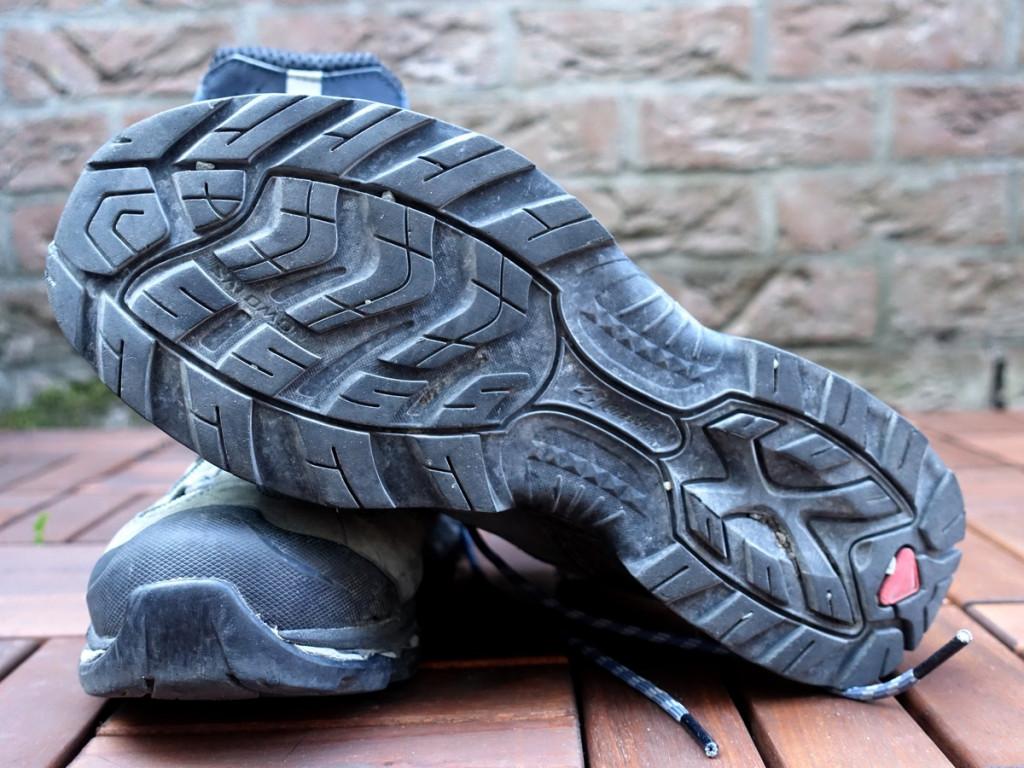 a50c22d5b1a Tijdens de wandeling heb ik niet het idee nieuwe wandelschoenen aan te  hebben. Ze zitten als gegoten en ik stap er lekker op weg.