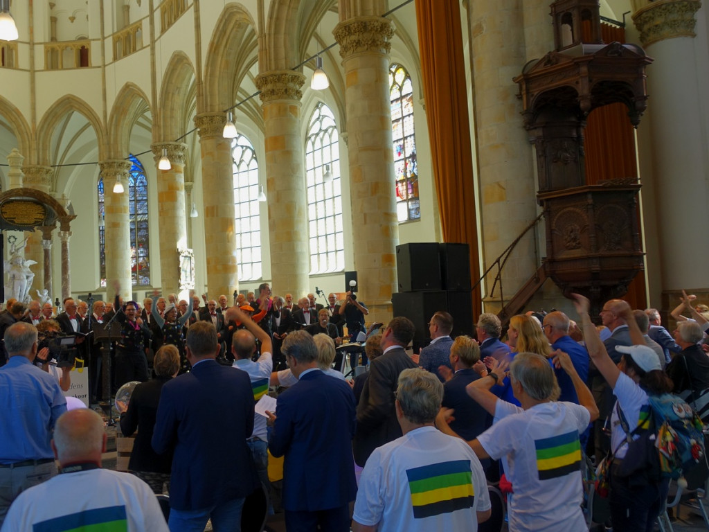 15 Toverbaltheater in de Grote Kerk Den Haag tijdens de Prinsjesestafette