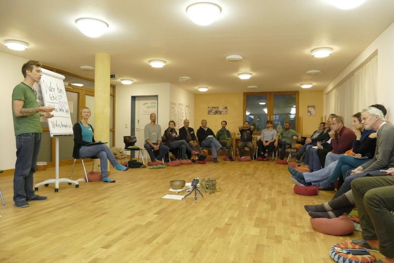 Seminarraum mit allen Teilnehmern