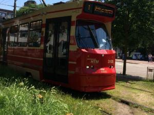 Tram 1 passeert
