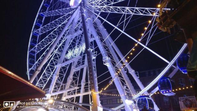 Wandelen op de Kerstmarkt van Düsseldorf