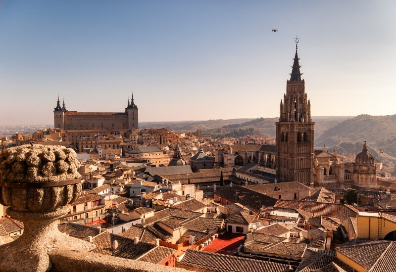 Planning a trip to Spain? Don't miss Toledo in Castilla La Mancha. Here are 10 incredible things to do in Toledo, including the best of the UNESCO town.
