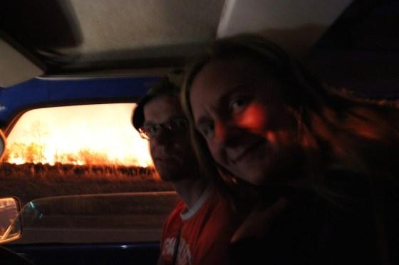 Neben unserem Campingplatz steht alles in flammen