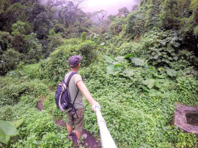 Wandern bei Bouquete am Cascada Escondida. Nicht der Wasserfall sondern der Weg dort hin ist das Spannende