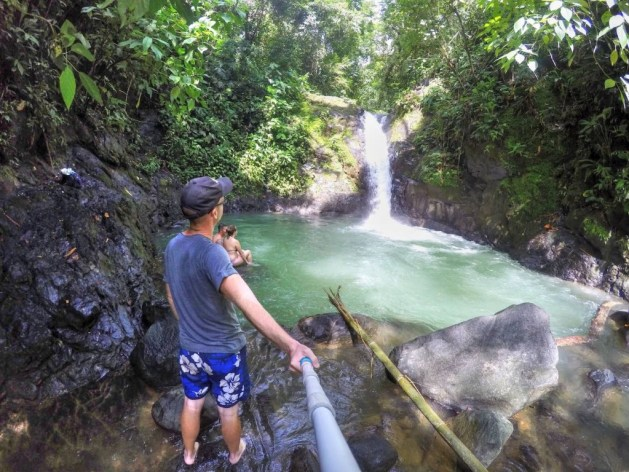 Wasserfall bei Uvita