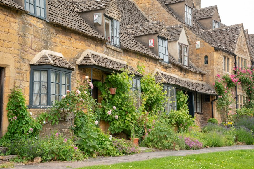 Pretty row of houses in Broadway Cotswolds