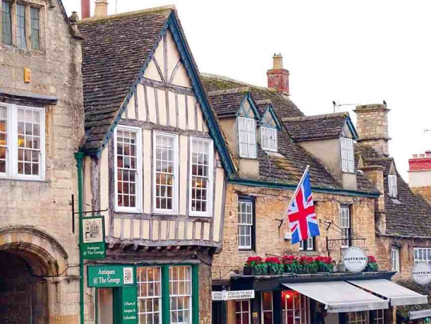 Houses and bunting in Burford