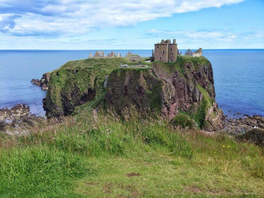 Dunnottar_Castle_-_Aberdeenshire_Coastal_Trail