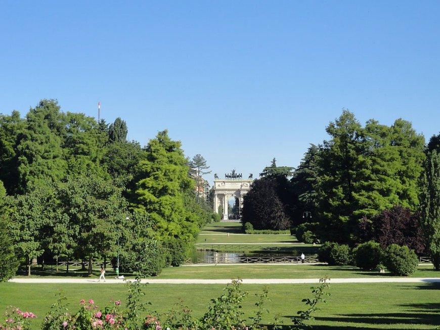 Arco_della_Pace_in_Parco_Sempione_Milan_Italy