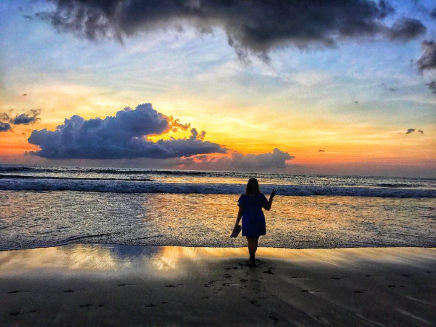 Seminyak_Beach,_Bali
