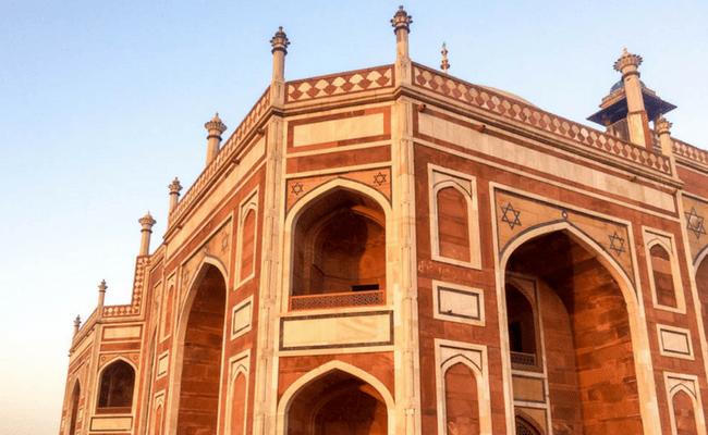 Travel Like A Local In Delhi