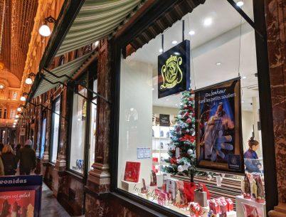 Leonidas Shop Display