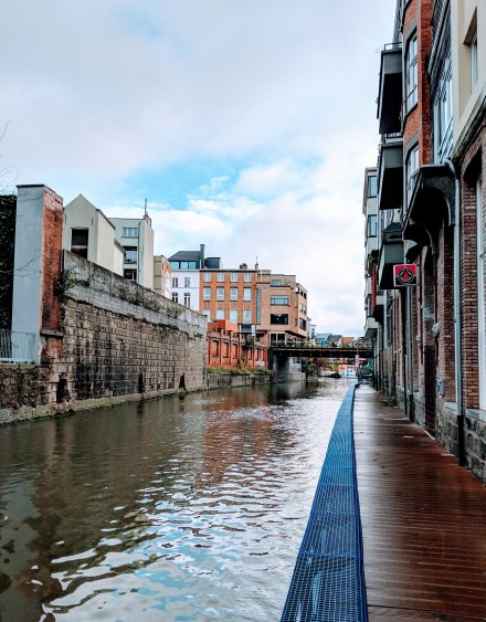 Walk along the canals in Ghent
