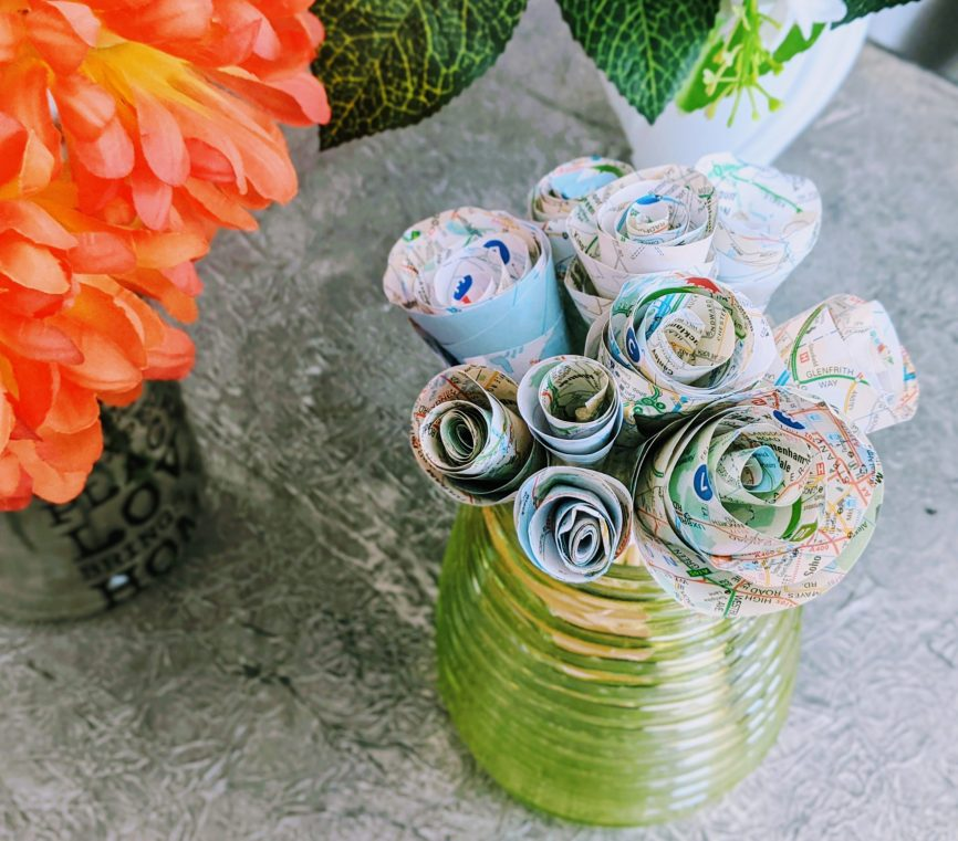 Easy DIY paper flowers - swirl roses
