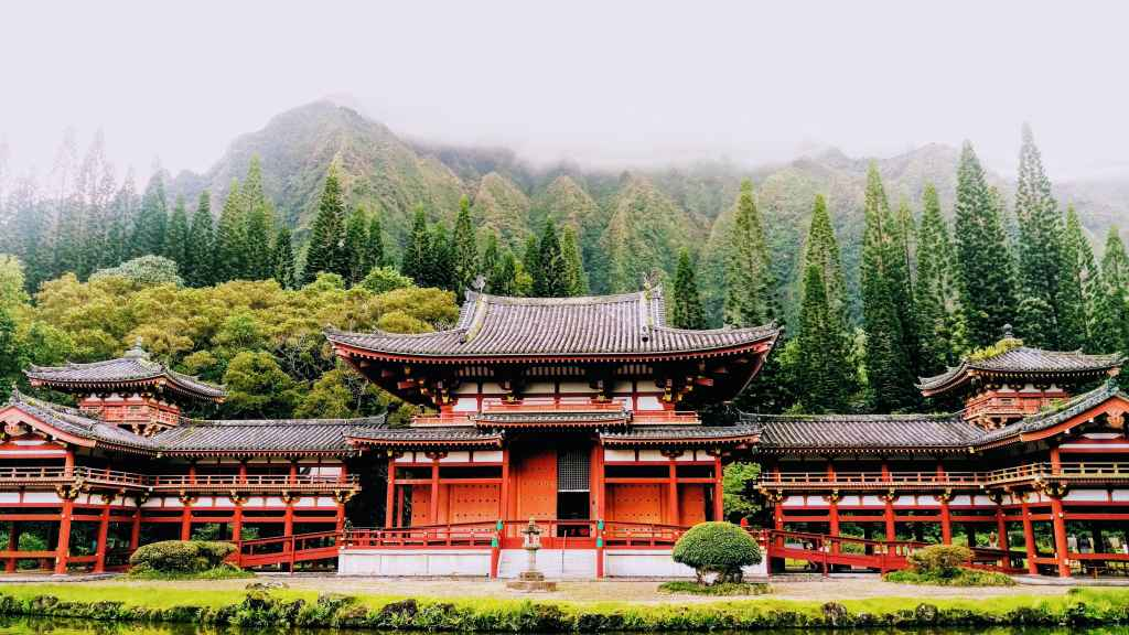 Hawaii Buddhist Temple on Oahu Byodo-In Temple
