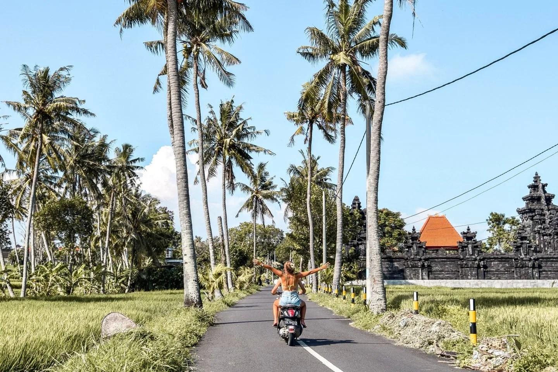 Wanderers & Warriors - Charlie & Lauren UK Travel Couple - Pererenan Palm Tree Road - 13 Things To Do In Canggu Bali