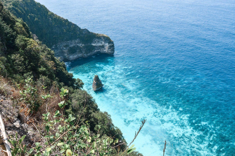 Wanderers & Warriors - Suwehan Beach Nusa Penida Bali - Blue Water Nusa Penida - Best Beach In Bali - Paket Wisata Nusa Penida - Paket Tour Nusa Penida Beaches - Wisata Nusa Penida