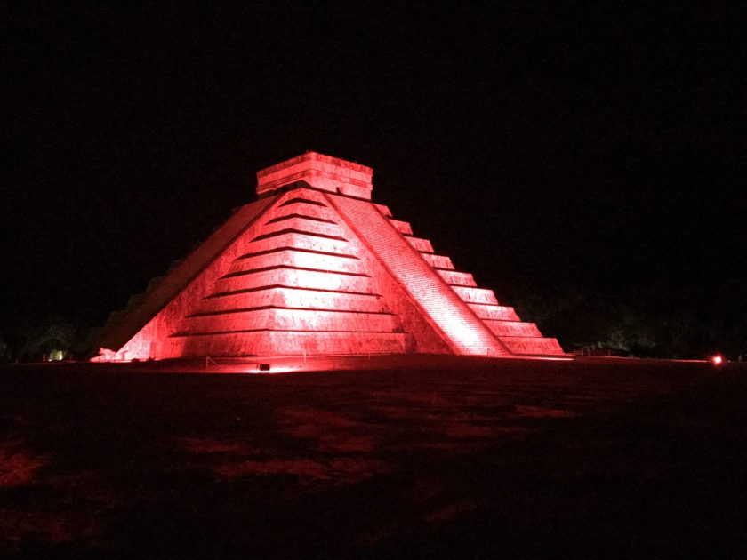 Pyramid of Kukulcan during the light show. Chichen Itzá