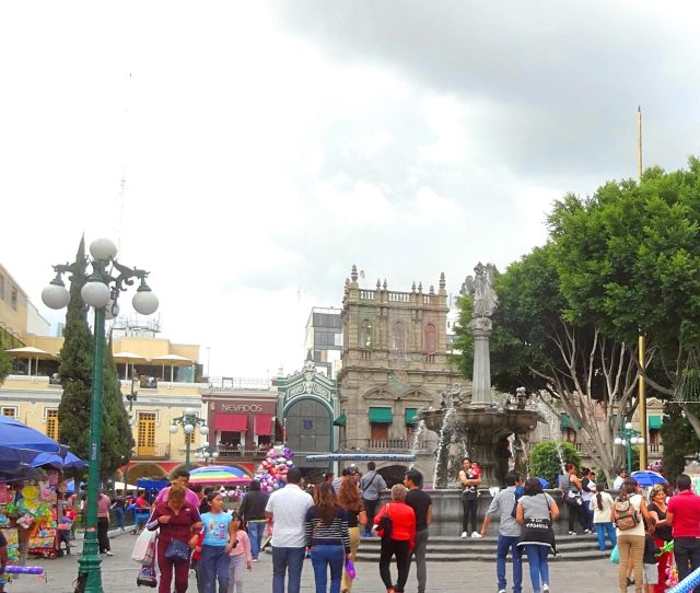 Sunday afternoon in the Zocalo of Puebla