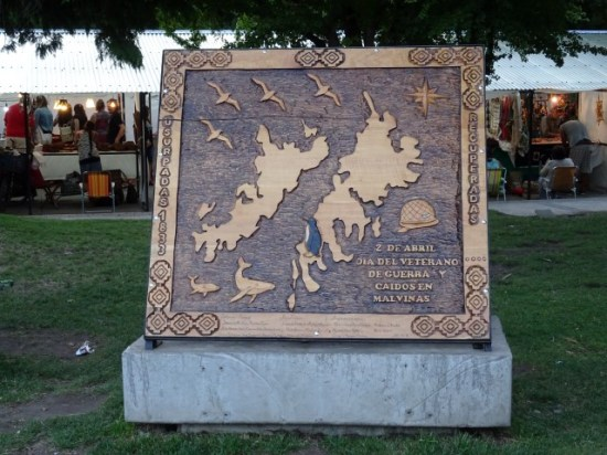 Las Malvinas son Argentinas! Plaque in San Martin - no-one is forgetting about these in a hurry..