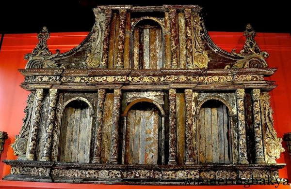 Retablo (Side Altar) of Church of San Nicolas de Tolentino, Dimiao, Bohol by an unknown artist (Wood)