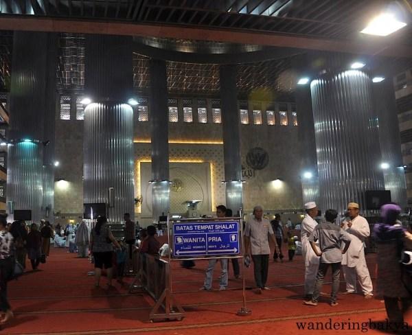 Istiqlal Mosque (Masjid Istiqlal) main hall