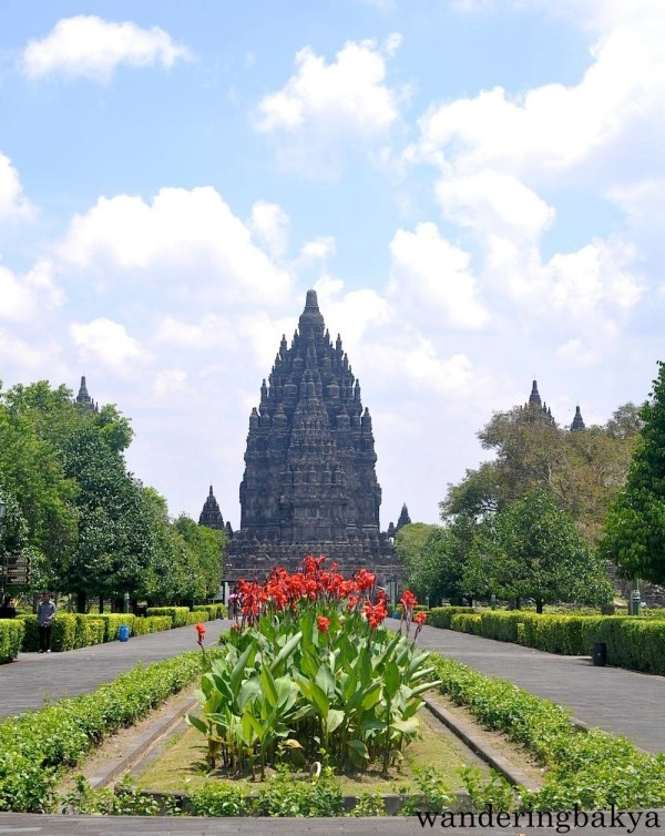 Last look at Prambanan temples on our way out