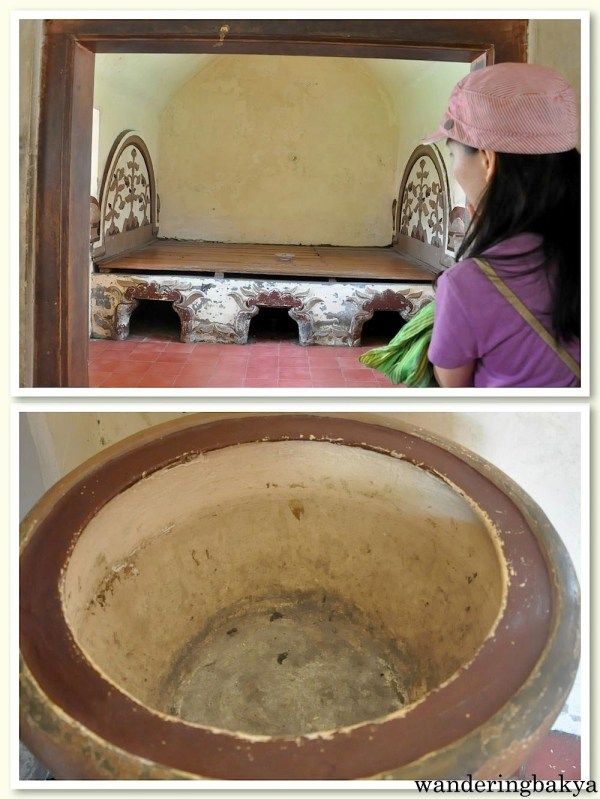 The top part is the changing room of the concubines. The bottom part of the bed (with holes) was filled with perfume. The bottom photo shows the washbin/mirror of the ladies.