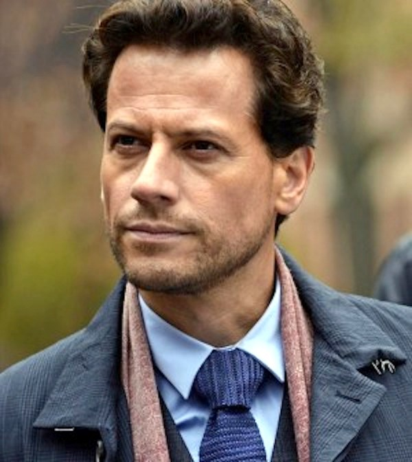 Ioan Gruffudd in Forever. If the ME looks as dashing as this guy, being around with corpses seems less scary and more palatable. Photo from screenspy.com via ABC/Jonathan Wenk.