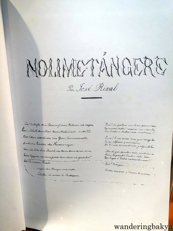 The novels are in Spanish, and in Rizal's penmanship (he had really good penmanship, like Apolinario Mabini) because well, they are based on the manuscript.