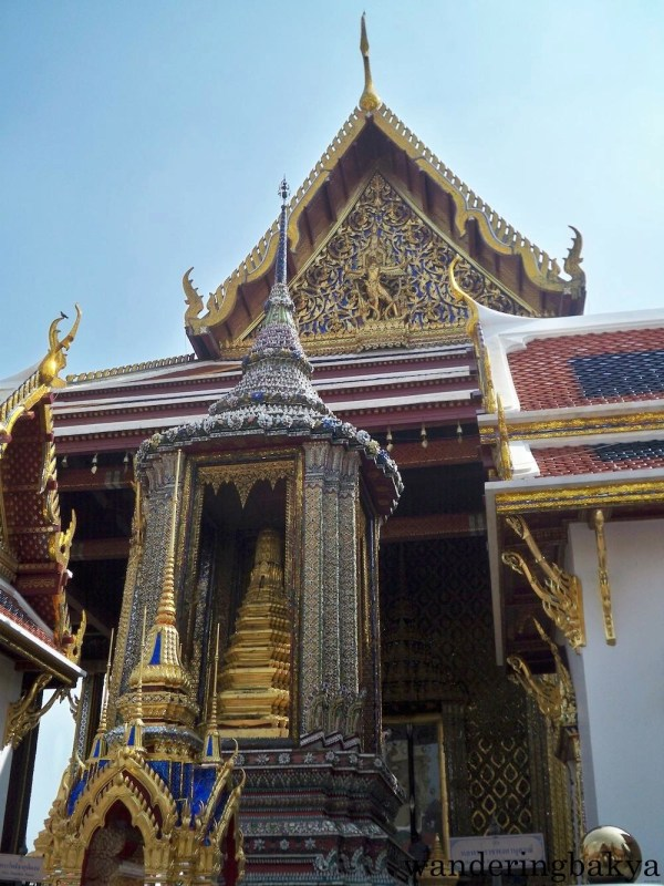 The entrance to the Wat Phra Kaew Complex