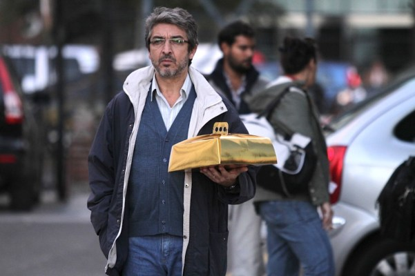 Ricardo Darín in Relato Salvaje's Bombita (Little Bomb). Photo from hacerselacritica.com.