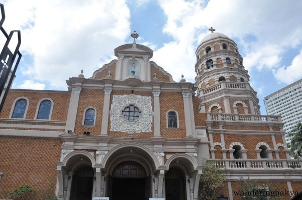 The inviting façade of Sta. Cruz Parish Church