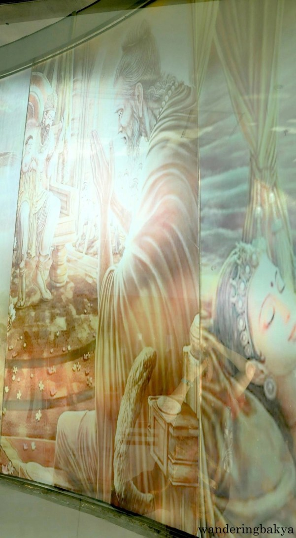 Found in the interior of Wisdom Park main building are floor-to-ceiling illustrations of Buddha's life story.