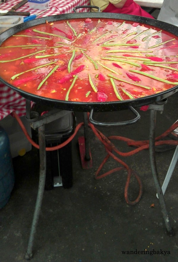 Comida Española's paella set-up. This is for Juan, for it reminds me of the photo he sent me. ☺