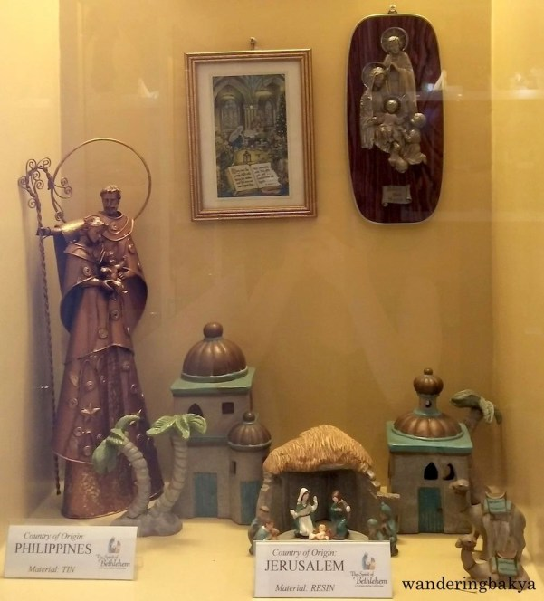 Belen from Philippines and Italy. Material: Tin and Resin, respectively.