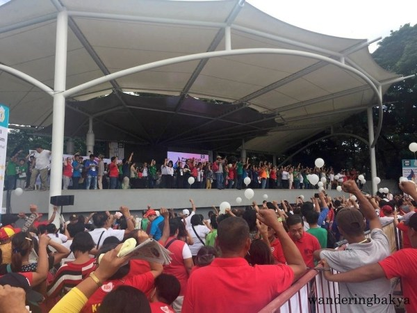 The stage was filled with leaders from MRRD NECC and other organizations supporting President Duterte. Photo by Mitso