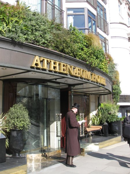 Cultural sensitivity at the Atheneum Hotel in London, UK
