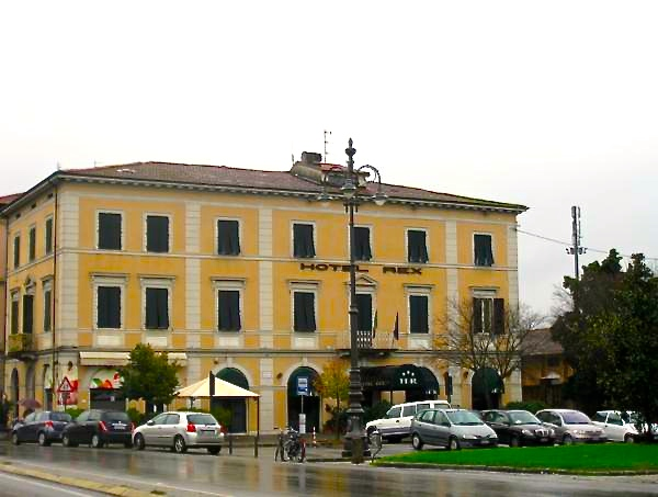 One day in Lucca, Italy, Hotel Rex