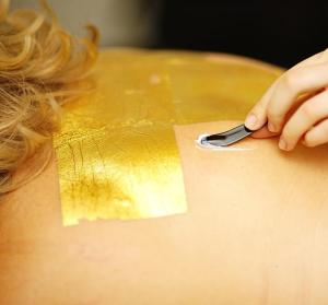Do gold facials work? Gold Radiance Facial La Prairie
