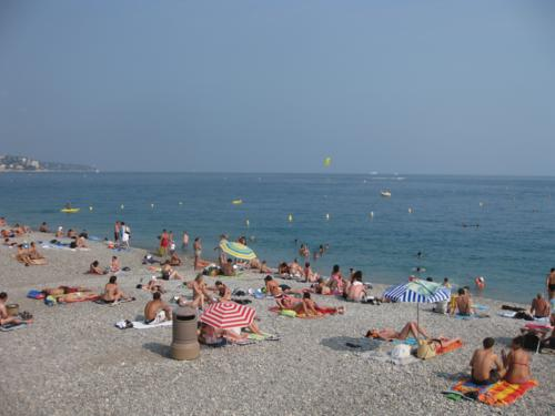 Nice beach in France, budget tips for vacation rental in France