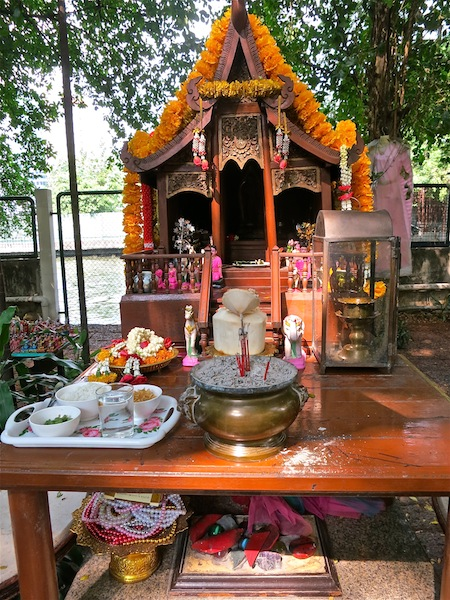 Luxury travellers seeking authenticity Thai shrine