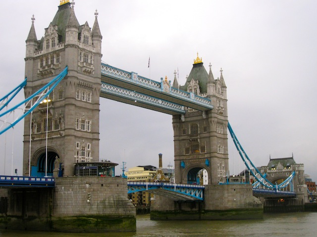 History and free luxury travel in London