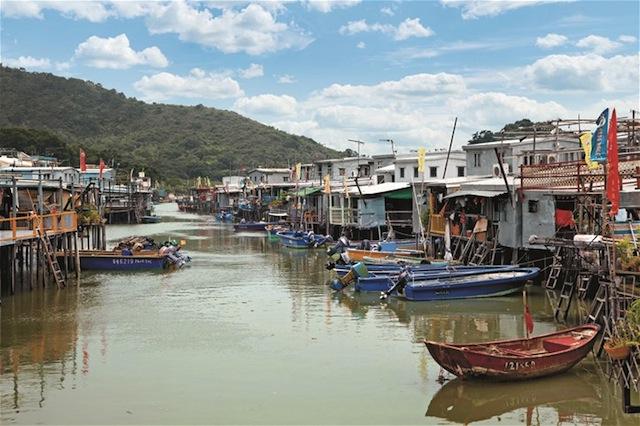 Hong day tours fishing village