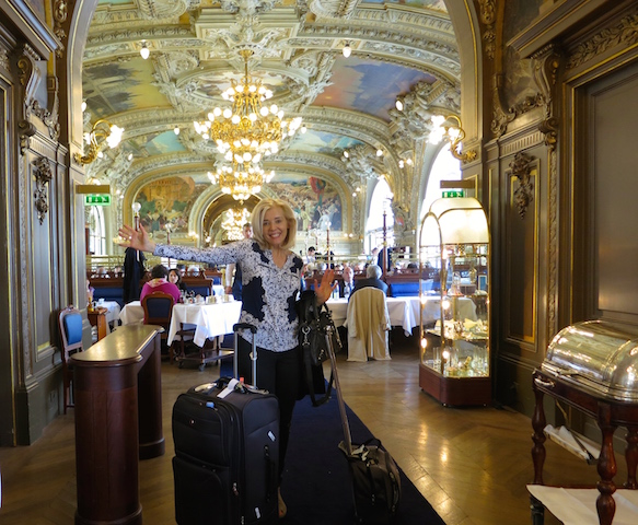 WanderingCarol.com, luxury travel blog Le Train Bleu
