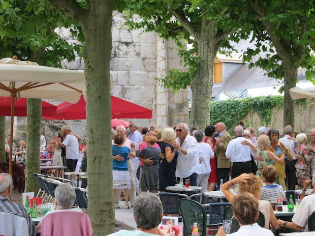Visit Aix les Bains, outdoor dancing